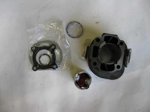 2 stroke cylinder, piston, rings, gaskets for the QJ1E40QMB engine