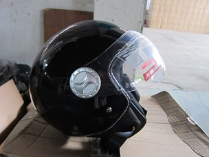 Scooter helmet 3/4 with windscreen black