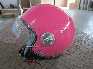 Scooter helmet 3/4 with windscreen pink